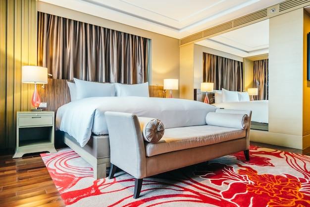 BANGKOK, THAILAND - 12. August 2016: Schöne Luxus-Schlafzimmer int Kostenlose Fotos