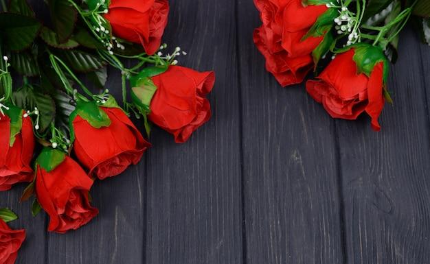 Banner collage mit roten rosen blumen valentinstag feiern Premium Fotos