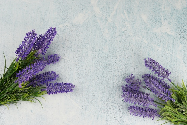 Banner verzweigt sich lavendel für den feiertag Premium Fotos