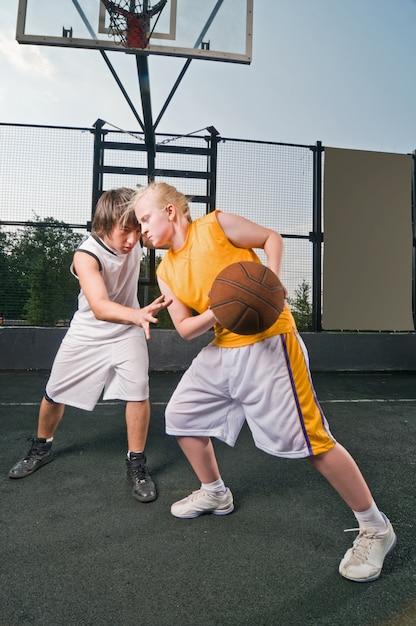 Basketball-matchup Kostenlose Fotos