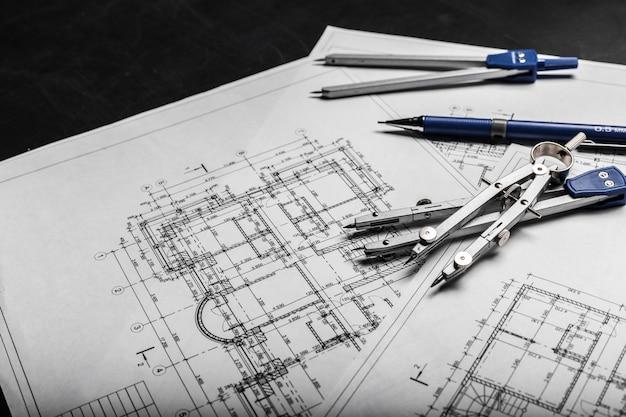 Bauplanungszeichnungen auf schwarzem Premium Fotos