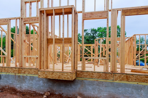 Baustelle mit neuen häusern im bau Premium Fotos
