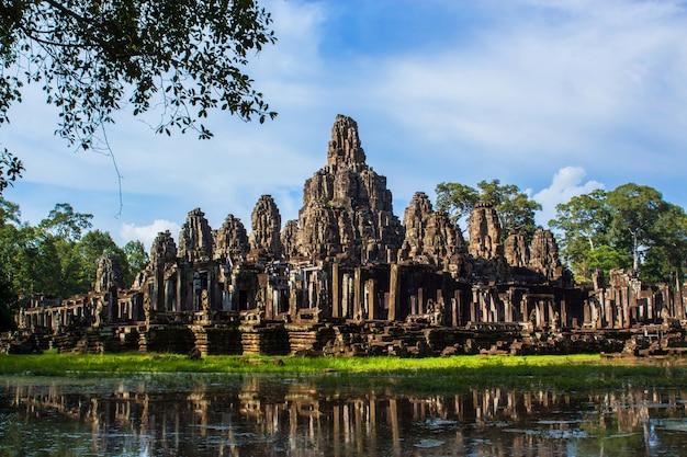 Bayon tempel in angkor thom Premium Fotos