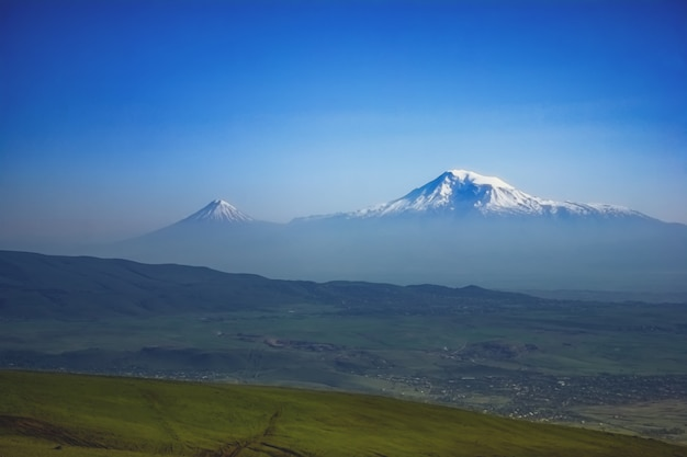 Berg ararat. schöne aussicht aus armenien Premium Fotos