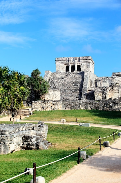 Berühmte archäologische ruinen von tulum, mexiko Premium Fotos