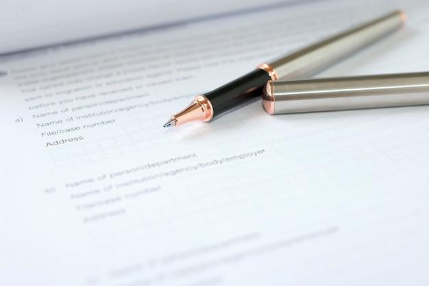 Bewerbungsformular konzept für die bewerbung für einen job, finanzen, darlehen, hypothek oder ein antragsformular Premium Fotos