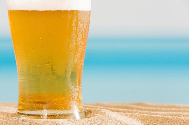 Bier am strand Premium Fotos