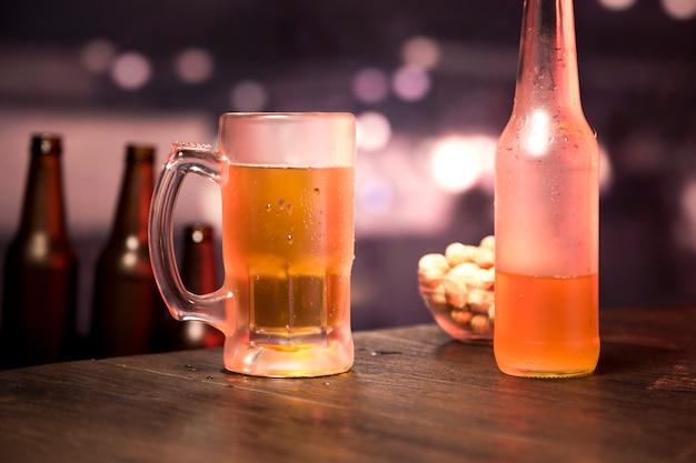 Bierflasche und glas Kostenlose Fotos