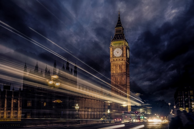 Big ben clock tower in london england Premium Fotos