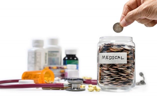 Bild auf dem konzept des einsparens des geldes zum medizinischen zweck und zum geschäft, einsparung, wachstum, wirtschaftlich Premium Fotos