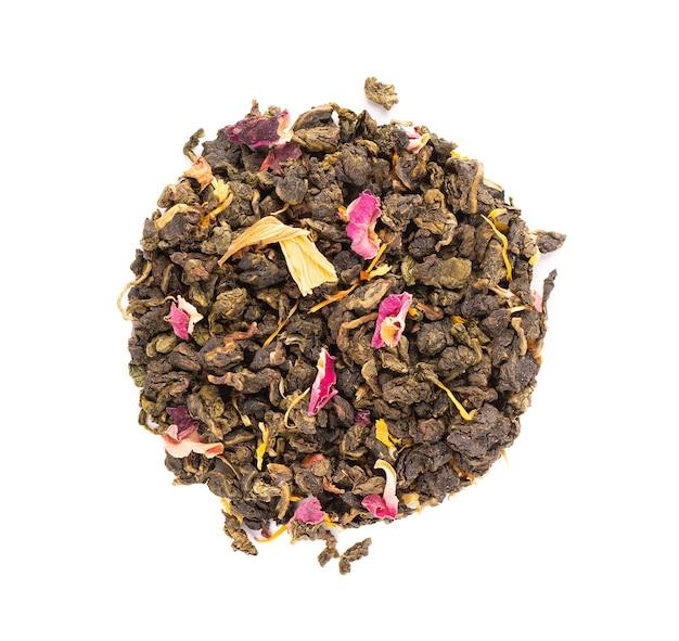 Binden sie guan yin tee mit den blütenblättern von flieder Premium Fotos