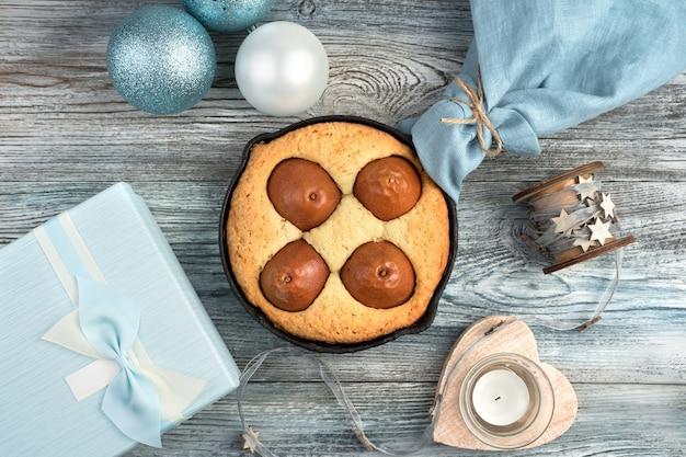 Birnenkuchen an weihnachten Premium Fotos