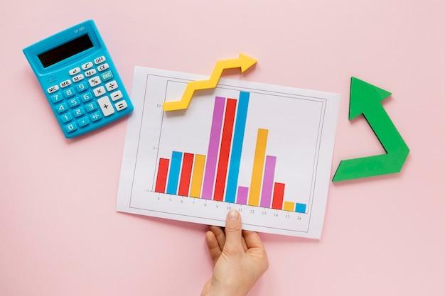 Blatt mit wirtschaftstabelle Premium Fotos