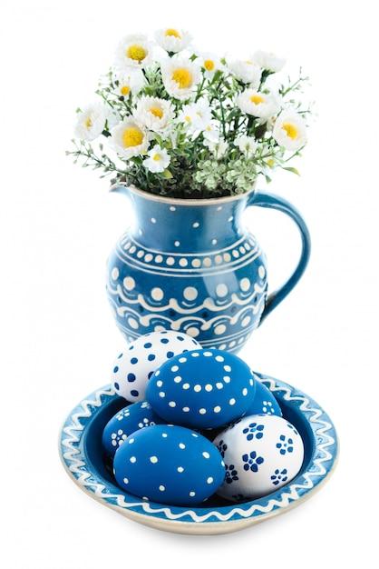 Blau-weiße osterdekorationen Premium Fotos