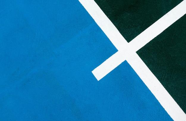 Blauer himmel mit grüner feldlinie Premium Fotos