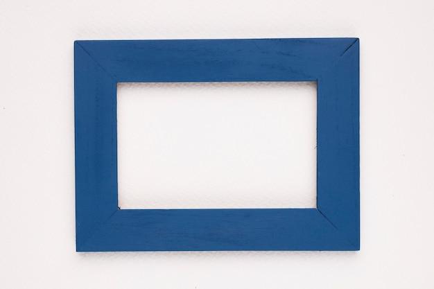 Blauer randfeld auf weißem hintergrund Kostenlose Fotos