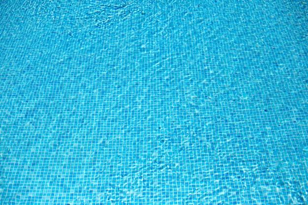 Blauer wasserhintergrund. Premium Fotos
