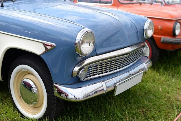 Blaues retro altes auto Premium Fotos