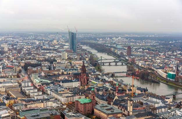 Blick auf frankfurt am main in deutschland Premium Fotos