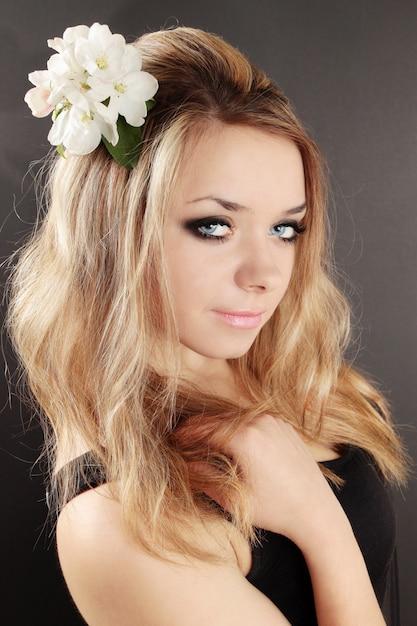 Blond auf schwarz Premium Fotos