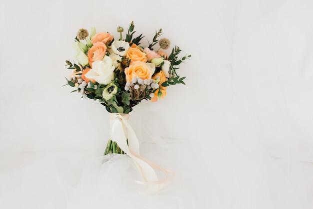 Blumenstrauß der braut Premium Fotos