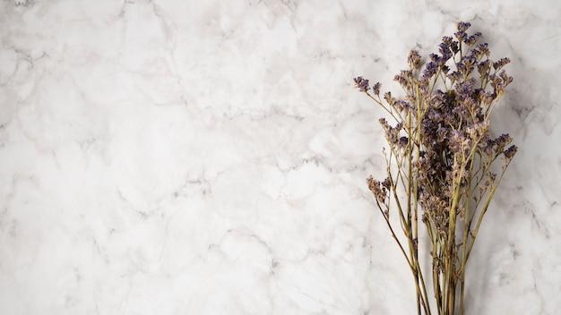 Blumenstrauß des lavendels mit kopienraum Kostenlose Fotos
