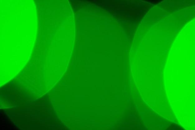 Bokeh der grünen girlandenbeleuchtungselemente Premium Fotos