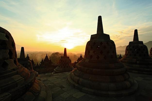 Borobudur sonnenaufgang Premium Fotos