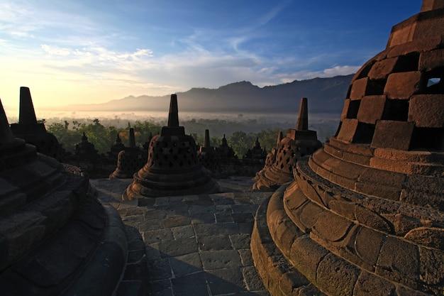 Borobudur-tempel stupa indonesien Premium Fotos