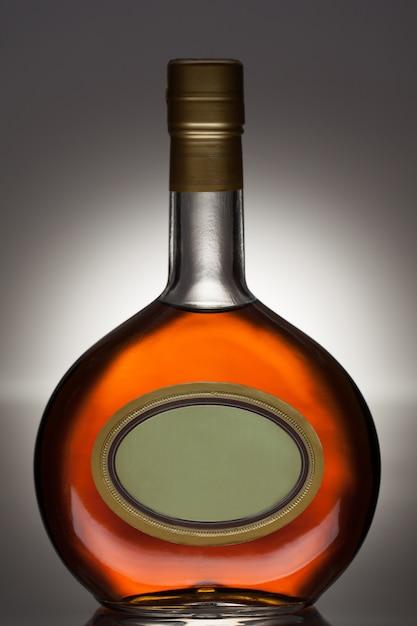 Brandyflasche in ovaler flasche Kostenlose Fotos