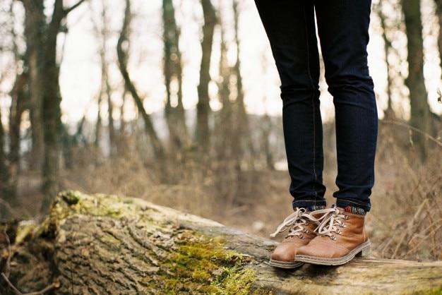 Braune stiefel und jeans Kostenlose Fotos