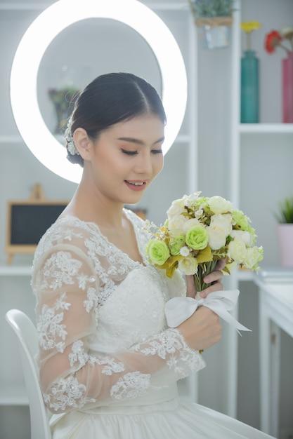 Braut mit kleid Kostenlose Fotos