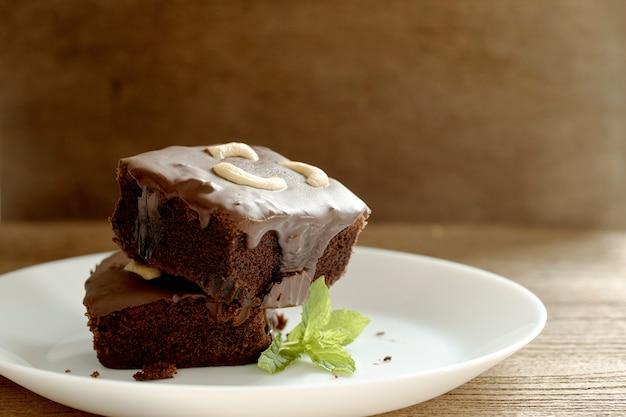 Brownies mit cashew-nüssen Premium Fotos