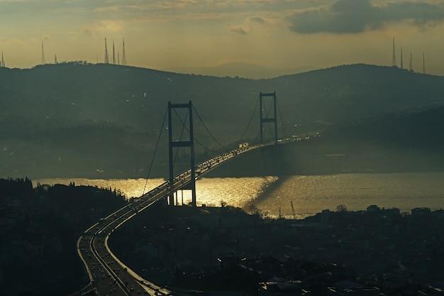 Brücke bei sonnenuntergang Kostenlose Fotos