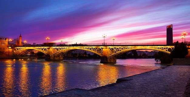 Brücke triana sevilla spanien puente isabel ii Premium Fotos