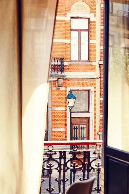 Brüsseler architektur aus der sicht eines hotels Premium Fotos