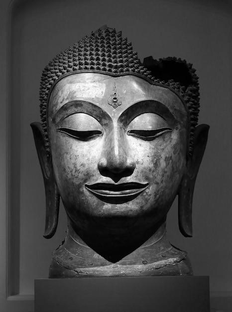 Buddha-kopf in thailand Premium Fotos