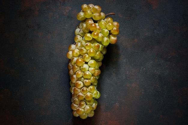 Bündel grüne trauben, draufsicht Kostenlose Fotos