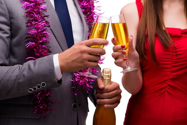 Büro weihnachtsfeier mit gläsern champagner Premium Fotos