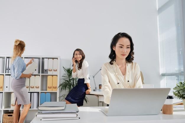 Büroarbeiten Kostenlose Fotos