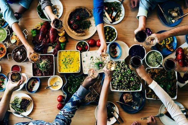 Buffet essen wahl essen essen party leute konzept Premium Fotos