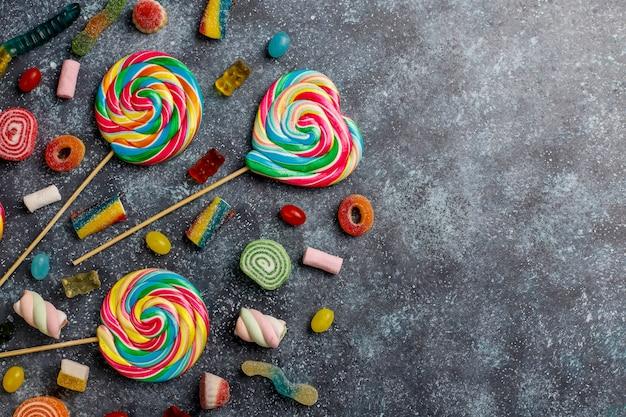 Bunte bonbons, gelee und marmelade, draufsicht Kostenlose Fotos