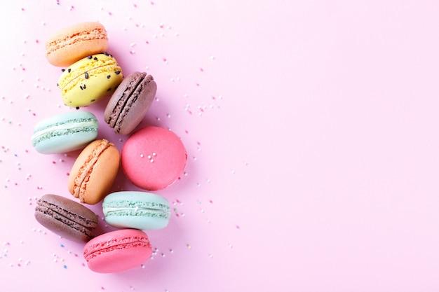 Bunte französische macarons Premium Fotos