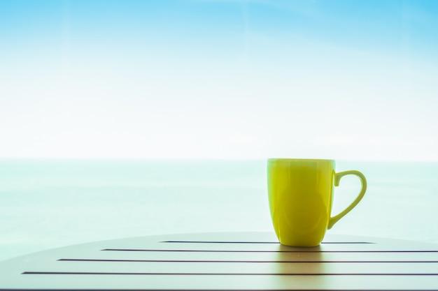 Bunte kaffeetasse Kostenlose Fotos