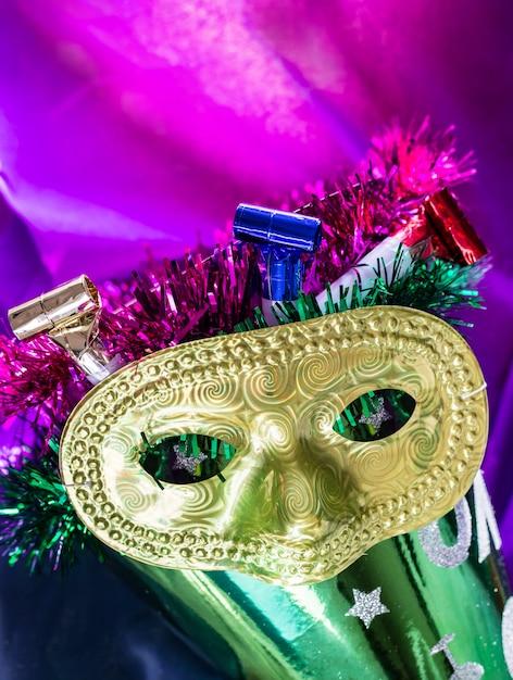 Bunte karnevalsvertikale Premium Fotos