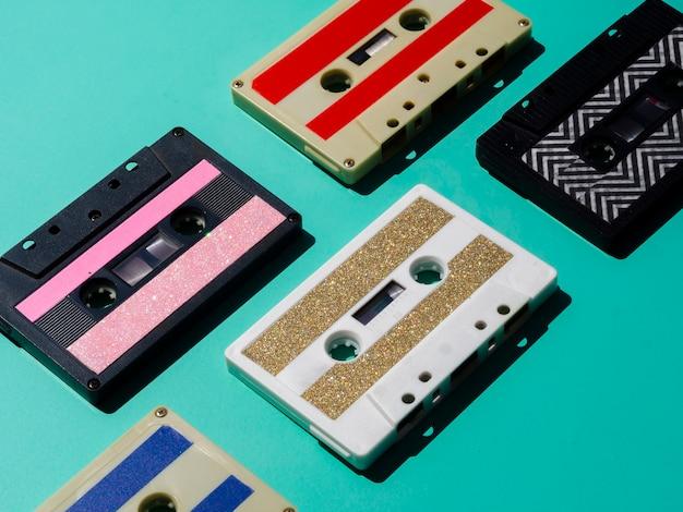 Bunte kassetten der diagonalen ansicht vereinbart Kostenlose Fotos