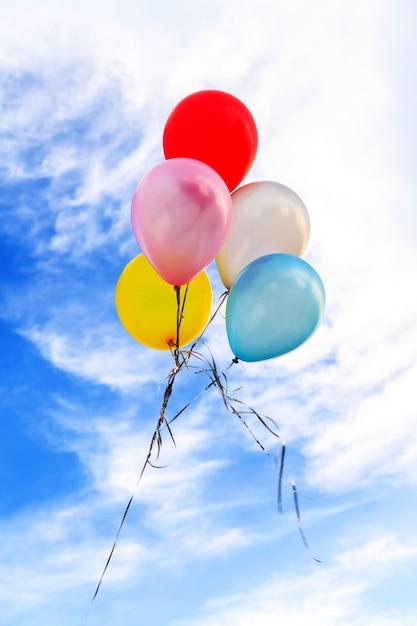 Bunte luftballons Premium Fotos