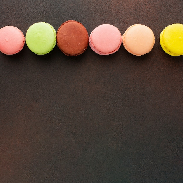 Bunte macarons mit kopienraum Kostenlose Fotos