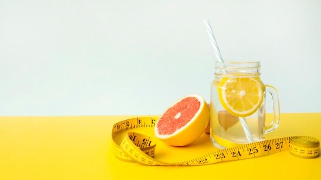 Bunte zusammensetzung mit gesunden lebensmitteln Kostenlose Fotos