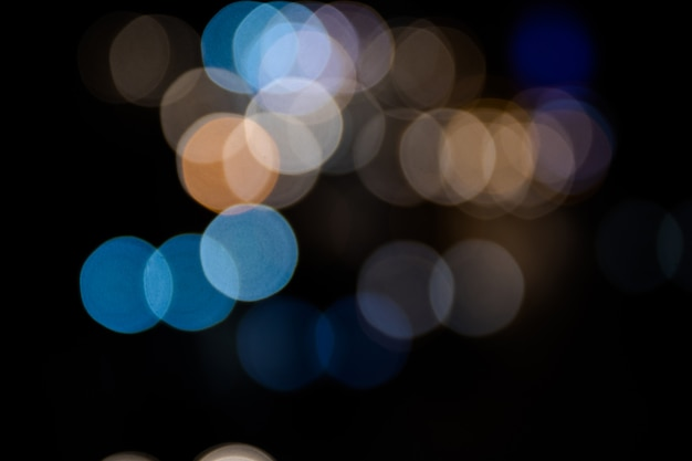 Bunter bokeh auszug des autolichtes auf der straße Premium Fotos